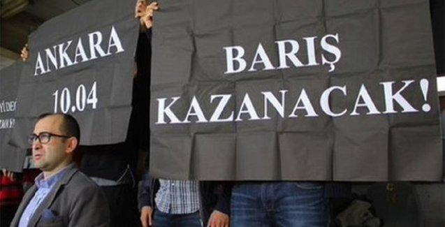 Tribünde barış pankartı açan Gençlerbirliği taraftarları gözaltına alındı