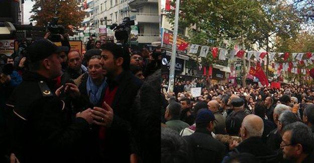 Ankara'da Dündar ve Gül için yürüyenlere polis saldırdı