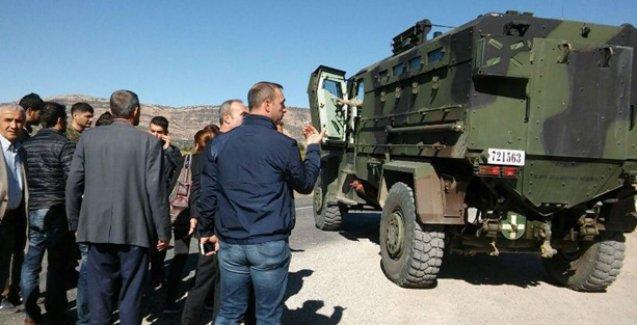 Asker, Diyarbakır-Lice yolunu seçmene kapattı
