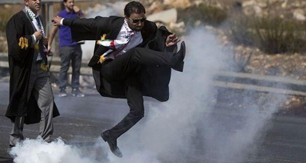 Filistinli avukat viral olan o fotoğrafı anlattı