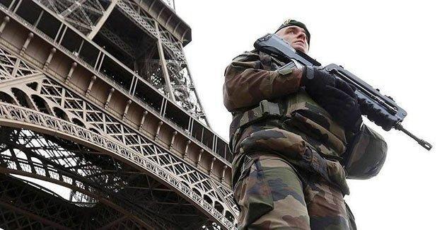 Fransa, İnsan Hakları Sözleşmesi'ni askıya alıyor