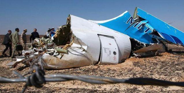 Putin açıkladı: Rus yolcu uçağı bombalı saldırı nedeniyle düştü