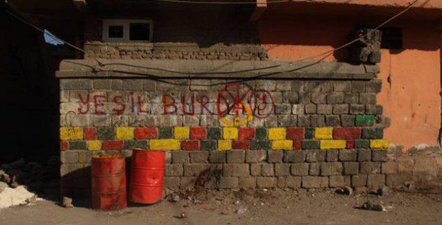 Sur'da polisten 'JİTEM' mesajı: 'Yeşil Burada'