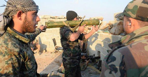 Suriye ordusundan Türkiye sınırında operasyon