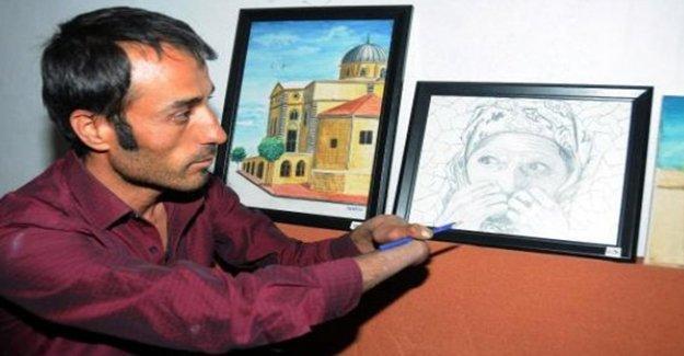 Gaziantepli Adem İnce, tek parmağıyla resim yapıyor