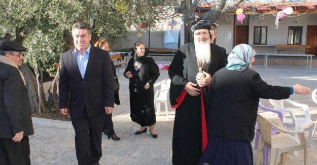 Adıyaman'daki Noel Ayini'nde barış için dua