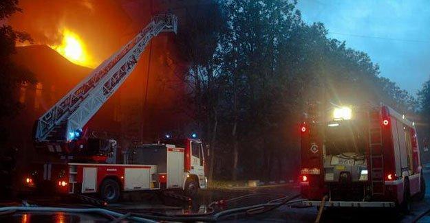 Akıl hastanesinde yangın: 23 ölü!