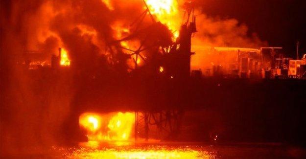 Azerbaycan petrol platformunda yangın çıktı, 32 işçi öldü