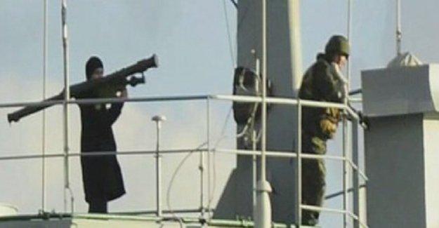 Bakan Çavuşoğlu: Rus gemisinden silah gösterilmesi provokasyondur