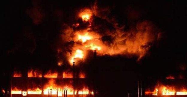 Bursa'da bir fabrikada çıkan yangın söndürülemiyor