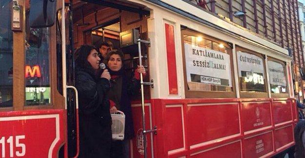 Cizre ve Silopi'de yaşananlara dikkat çekmek isteyen gençler tramvayı işgal etti