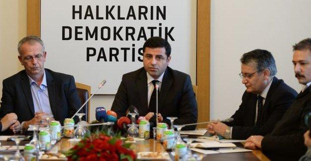 Demirtaş: AKP istikrar diye oy aldı, nerede istikrar?