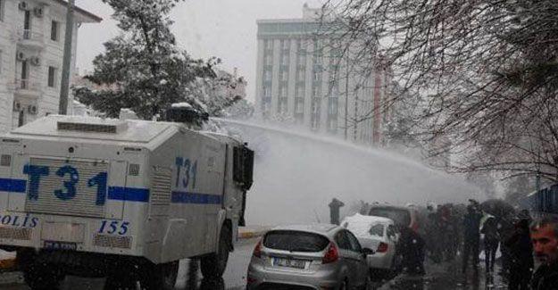 Diyarbakır eyleminde patlama: 3 polis yaralı
