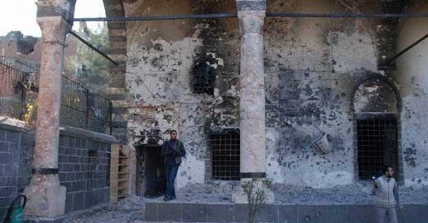 HDP heyeti Kurşunlu Camii'nde: İnsanlar öldürüldü, tarih yok edilmek istendi
