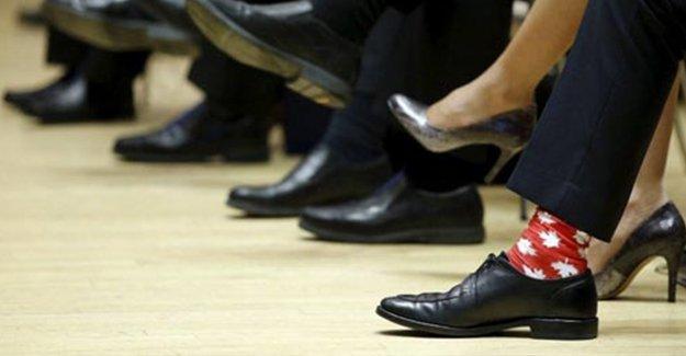 Kanada Başbakanı Trudeau'nun çorapları dikkat çekti