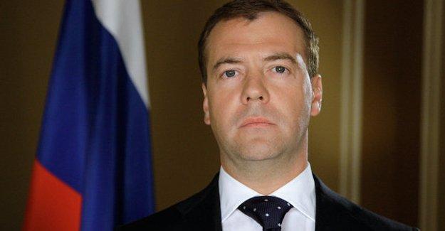 Medvedev, Türkiye'ye yaptırım talimatını imzaladı