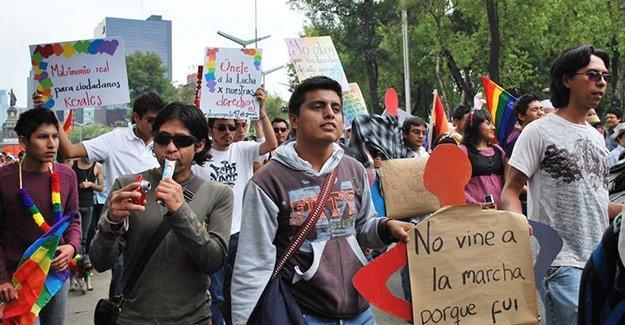 Meksika'da LGBT festivaline silahlı saldırı
