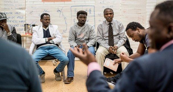 Erkek mültecilere 'Norveç Kültürü' dersi