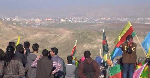 Rojavalılar Cizre, Silopi, Nusaybin ve Derikliler için sınırda 'nöbet'te