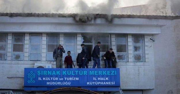 Şırnak'ta kütüphanede meydana gelen patlamada 6 kişi yaralandı
