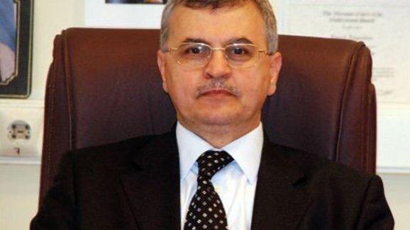 Tahir Elçi için 'Su testisi' benzetmesi yapan Profesör Akgündüz'e protesto