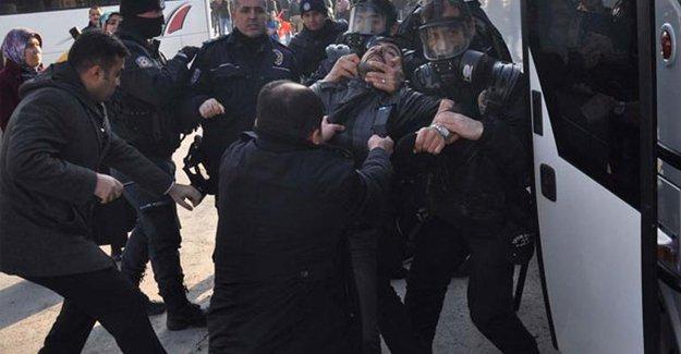 Ücret eylemi yapan SİDEMİR işçilerine polis saldırdı!