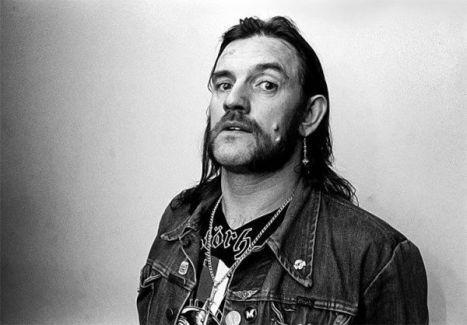 Ünlü heavy metal grubu Motörhead'ten Lemmy kansere yenik düştü