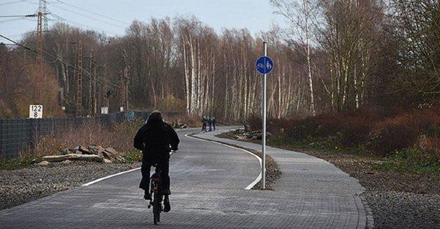 Almanya 100 km uzunluğundaki ilk bisiklet otobanını açıyor