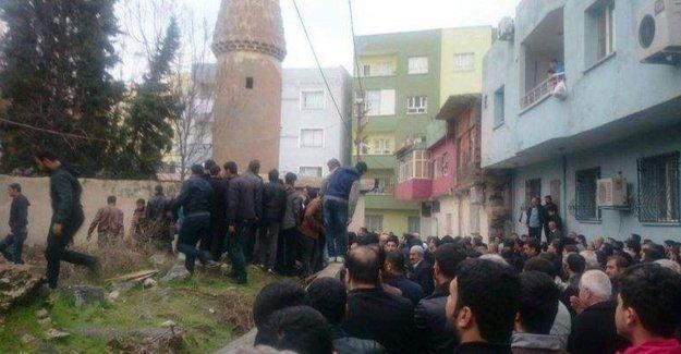 Aziz Yural'ın cenazesi cami bahçesine defnedildi