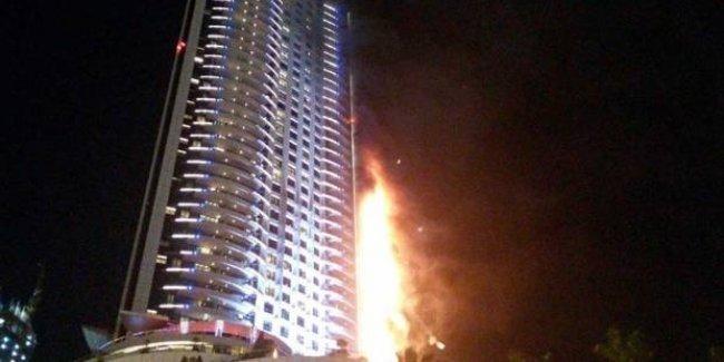 Dubai'deki 63 katlı otelde yangın