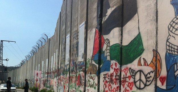 Filistinli tutsaklar tecride karşı direniyor