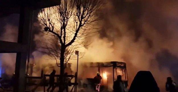Gazi Mahallesi'nde bir otobüs yakıldı