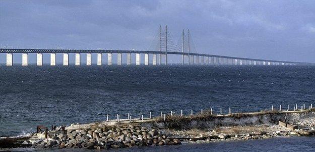 İsveç sınır kontrollerine başladı