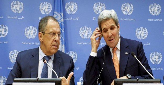 Lavrov: Suriye görüşmelerinin ay sonunda başlamasını umuyoruz