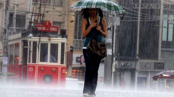 Meteoroloji'den İstanbul'un dört ilçesine 'ani sel' uyarısı