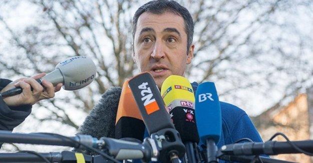 Özdemir: Erdoğan'ın istediği başkanlık sistemine 'diktatörlük' diyoruz