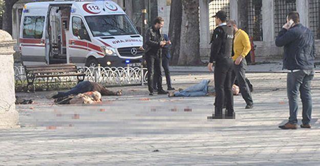 Sultanahmet'te canlı bomba saldırısı: Ölü ve yaralılar var!