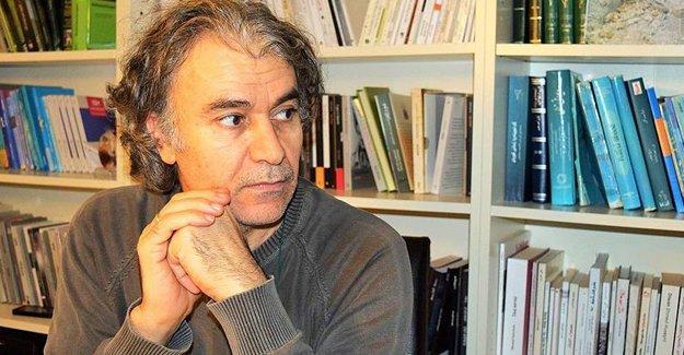Suriyeli Kürt şair Jan Dost Anadolu Ajansı'na PYD'den yakındı