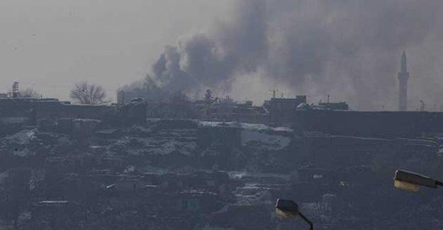 Yasağın 34. gününde Sur'da ağır bombardıman