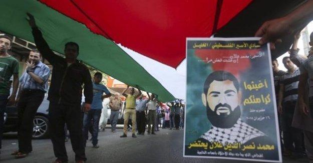 Açlık grevindeki Filistinli gazeteci artık konuşamıyor