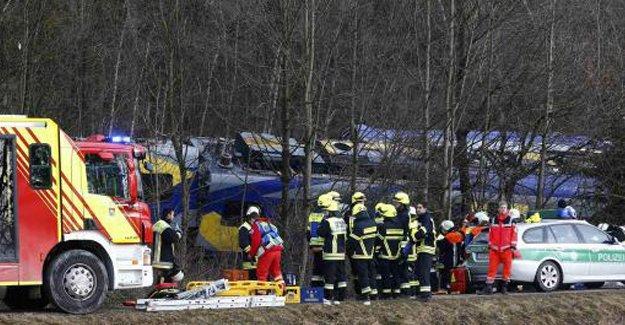 Almanya'da tren kazası: Çok sayıda ölü ve yaralı