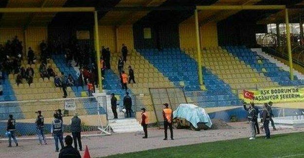 Amedspor Tarsus İY maçında Cizre katliamına övgü