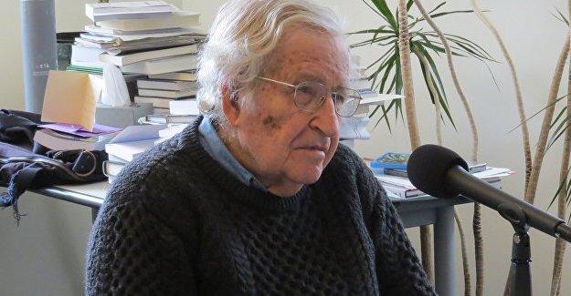 Chomsky: Trump başkan olursa, 'cenaze çanları çalar'