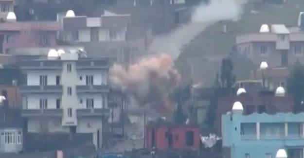 Cizre'de yaralıların olduğu sokakta patlama