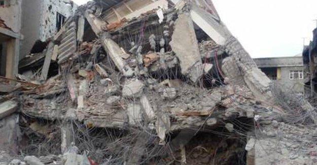 Cizre'de sokak ortasında bir cenaze daha bulundu