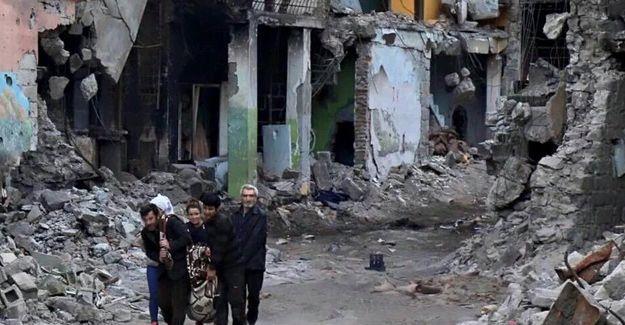 DİHA muhabiri Mazlum Dolan ile Sur'dan çıkan 5 kişi tutuklandı