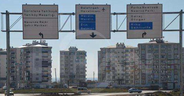 Diyarbakır'daki trafik levhaları artık çok dilli