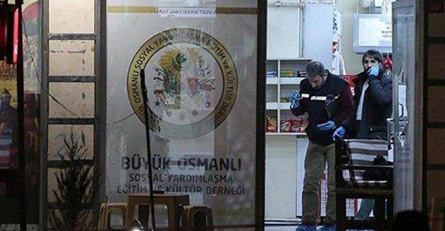Eyüp'teki saldırıda ağır yaralanan bir kişi hayatını kaybetti