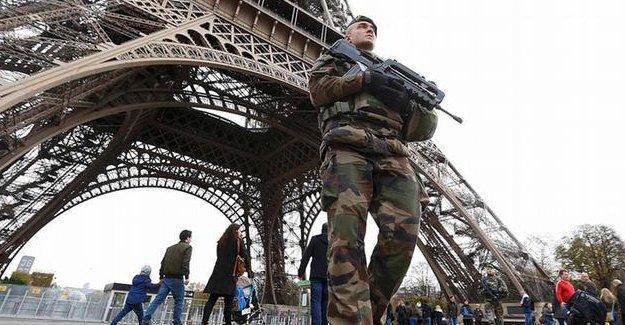 Fransa'da 'olağanüstü hal' uzatıldı