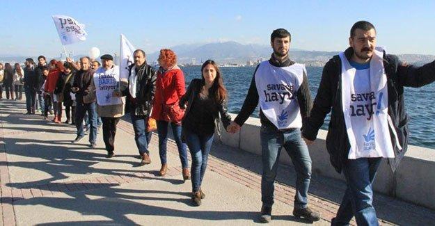 İzmir Barış Bloku kardeşlik zinciri oluşturdu